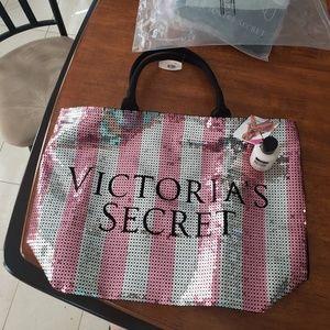 Victoria's Secret tote & lotion